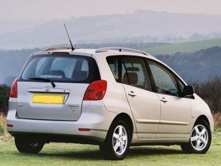 toyota - Piloto traseroderecho Toyota Corolla Verso 2000-2003