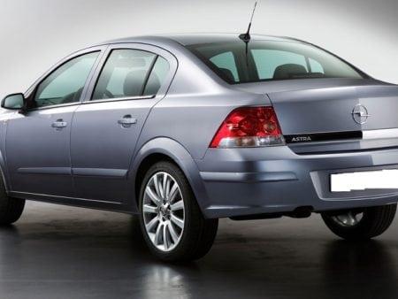 opel - Piloto traseroizquierdo Opel Astra H Sedan 4 Puertas2004-2010