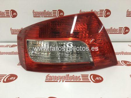 IMG 5788 450x338 - Piloto traseroizquierdo Peugeot 407 Restyling
