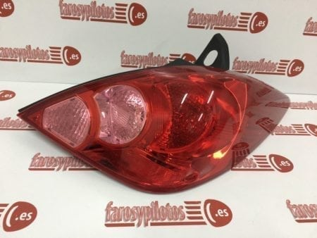 IMG 9420 450x338 - Piloto traseroderecho Nissan Tiida (Producto Nuevo)
