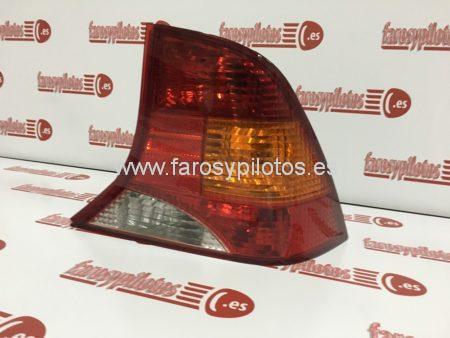 IMG 4227 450x338 - Piloto traseroderecho Ford Focus Sedan 1998 - 2004