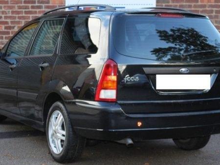 ford - Piloto traseroderecho Ford Focus Familiar 1998 - 2004