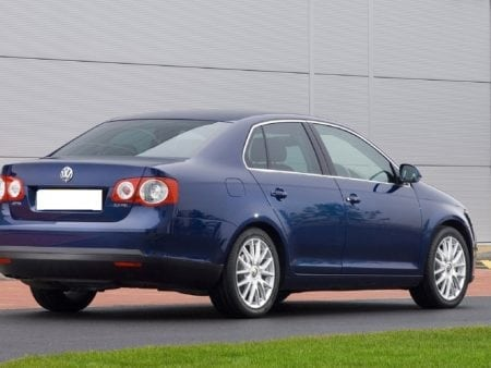volkswagen - Piloto trasero izquierdo Volkswagen Jetta 2005-2011
