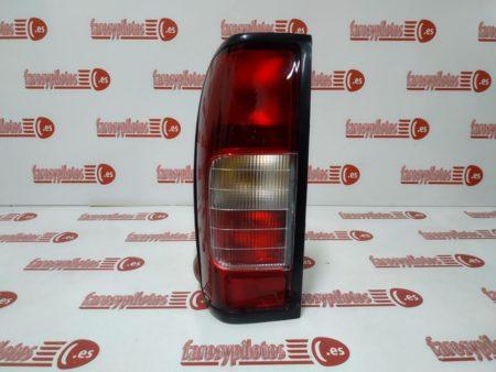 nissan - Piloto trasero izquierdo Nissan Navara Pick-up 1998 – 2000 Con luz de Niebla (Producto Nuevo)